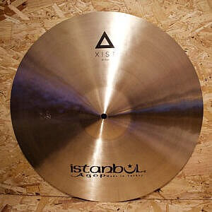 "Istanbul Agop Xist 18"" Traditional Crash & B400 Stand"
